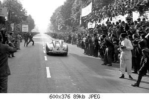 stirling-moss-and-denis-jenkinson-mercedes-benz-300-slr-in-1955-mille-miglia-rear.jpg