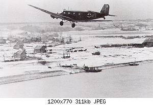 Junkers-Ju-52-during-the-Demyansk-airlift-Feb-1942-02.jpg