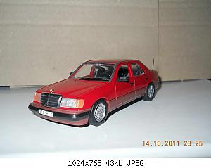 Colobox_Mercedes-Benz_300D_turbo_W124_Minichamps~01.jpg
