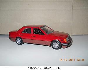 Colobox_Mercedes-Benz_300D_turbo_W124_Minichamps~02.jpg