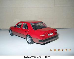 Colobox_Mercedes-Benz_300D_turbo_W124_Minichamps~03.jpg