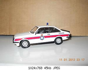 Colobox_Ford_Escort_Mk2_RS2000_Police_Trofeo~02.jpg
