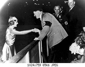 Нажмите на изображение для увеличения Название: Sonja_Henie_&_Adolf_Hitler_1936.jpg Просмотров: 1 Размер:65.4 Кб ID:1204382