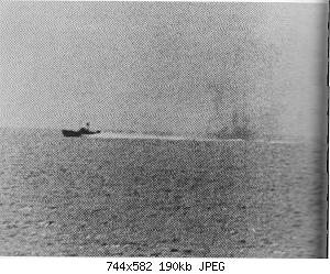 Нажмите на изображение для увеличения Название: North_Vietnamese_P-4_under_fire_from_USS_Maddox_(2_August_1964).jpg Просмотров: 0 Размер:189.9 Кб ID:1013246