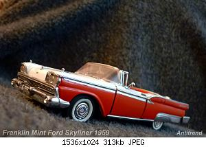 Franklin Mint Ford Skyliner 1959 1.jpg