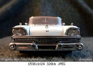 Franklin Mint Ford Skyliner 1959 2.jpg