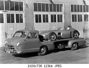 Mercedes_Benz_Blue_Wonder_Transporter_1954_05.jpg