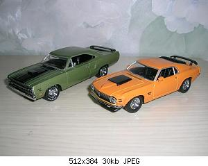 70%20Boss%20429%20%26%2070%20Plymouth%20road%20runner%20%20Matchbox.JPG